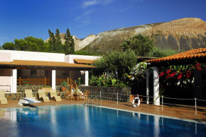 Click to enlarge - Villa with pool on Vulcano Aeolian Islands